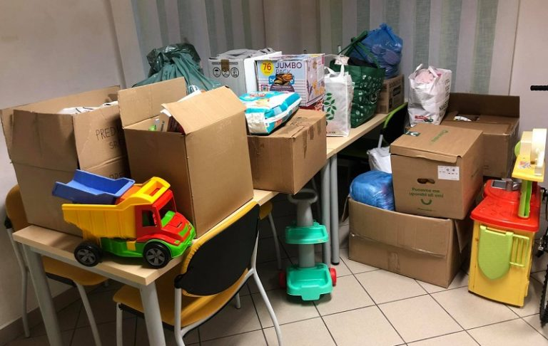 Zbrane stvari za Krizni center za otroke in mladostnike